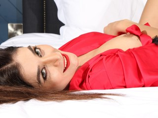 Sexy Alina XXX - Red Robe Picture Gallery
