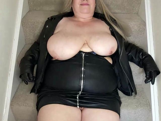 MrsLeather - Jizz On The Stairs