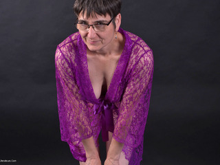 Hot Milf - Lingerie  Negligee Pt1 Picture Gallery