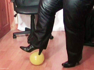 Mrs Leather - Balloon Playtime Pt2 HD Video
