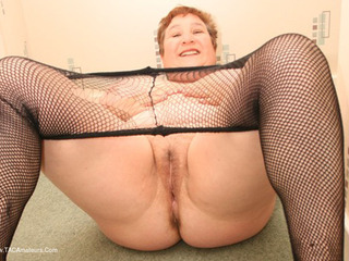 Kinky Carol - Hoooge Tits  Fishnets Pt2 Picture Gallery
