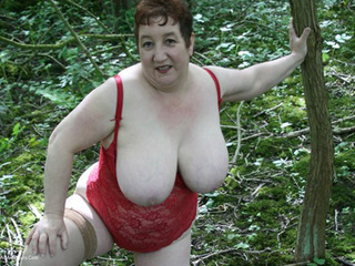 Kinky Carol - Naked In The Woods Picture Gallery