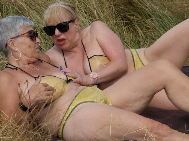 Savana - Yellow PVC Bikini Lesbos Pt1