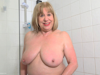 SpeedyBee - Gold Lingerie Pt3 HD Video