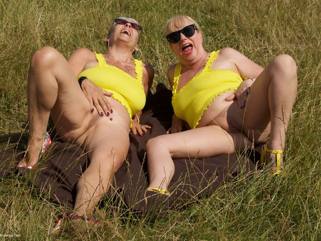 Savana - Yellow Tops With Auntie Trisha Pt1