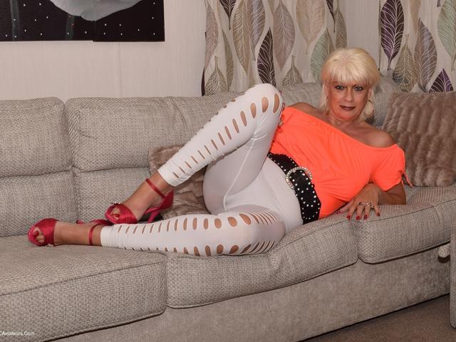 Dimonty - White Leggings  No Panties