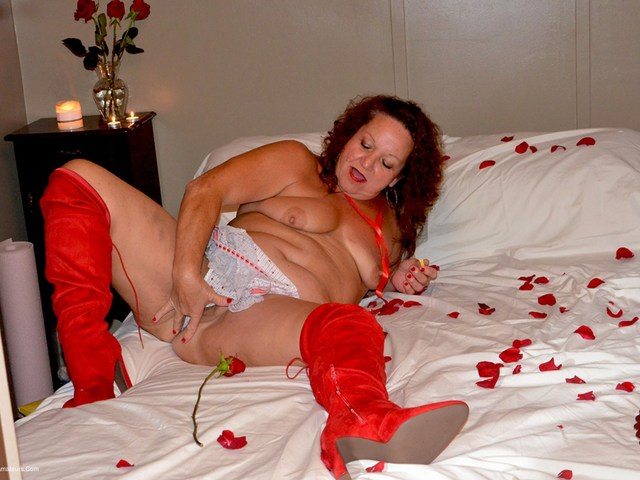 DebbieDelicious - Be My Naughty Valentine Pt2