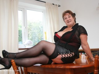 Kinky Carol - Leather Mini Pt1 Picture Gallery