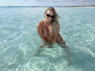 Sweet Susi - Beach  Sea Picture Gallery