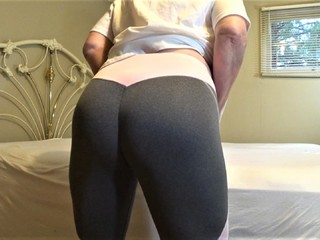 CougarBabe Jolee - Arse Camel Toe In Tight Yoga Pants HD Video