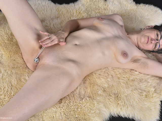 HotMilf - Playing With The Love Balls
