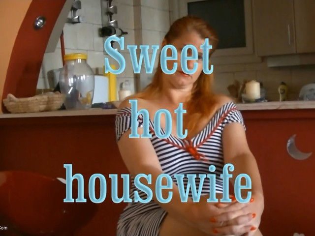AngelEyes - Sweet Hot Housewife