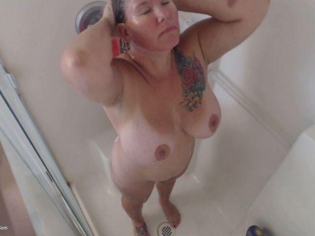 BustyKrisAnn - Spy On Me In The Shower Pt1