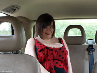 Roxy - Flashing The Taxi Driver Picture Gallery