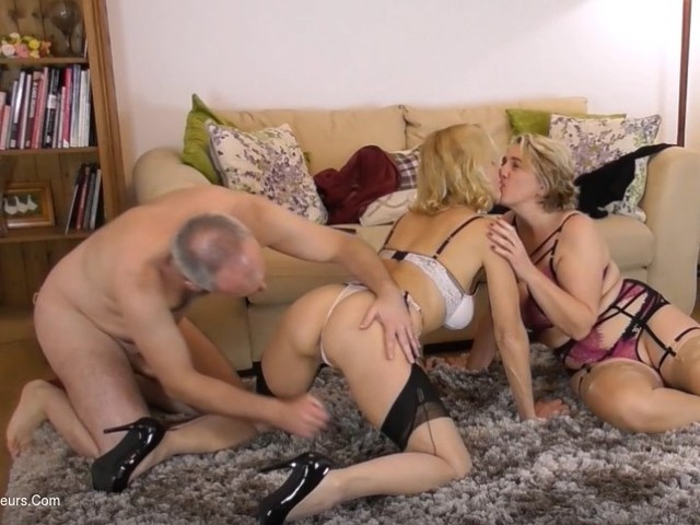MollyMILF - Creampie 3 Some Pt3