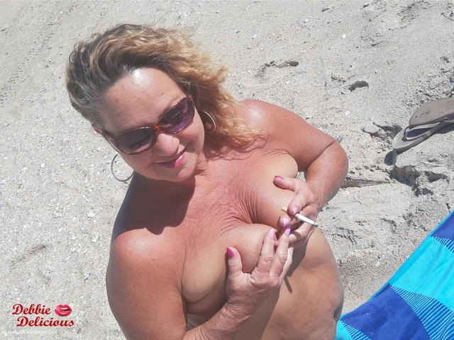 DebbieDelicious - Wild Wednesday On The Beach Pt2