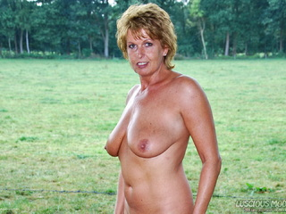 Luscious Models - Mature Lady M Full Nude Picture Gallery