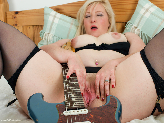 Samantha - Hot Rock Chick Pt2