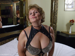 Busty Bliss - Spiked Busty Betties Having A Go Picture Gallery