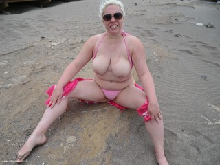 Barby - Lifes A Beach Picture Gallery