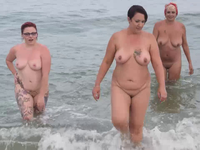 PhillipasLadies - Girls Playing In The Sea