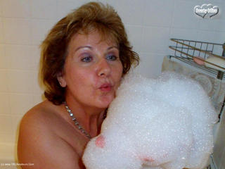 Busty Bliss - Sudz N Bubbles Picture Gallery
