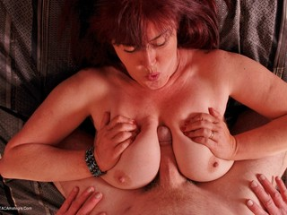 Juicey Janey - Playing With Wood Pt2 Picture Gallery