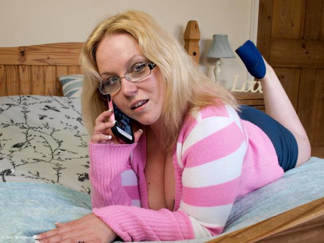 SindyBust - Dirty Phone Call