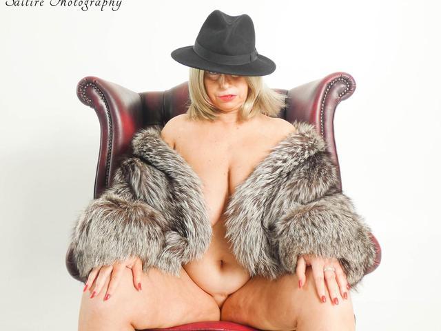 PoshSophia - Fur Coat  No Knickers