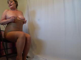 CougarBabe Jolee - Naughty Bits Encsed In Nylon Pantyhose HD Video