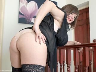Roxy - Sexy Black Neglige Picture Gallery