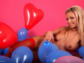 Susy Rocks - Liliane Tiger Balloons Pt4 Picture Gallery