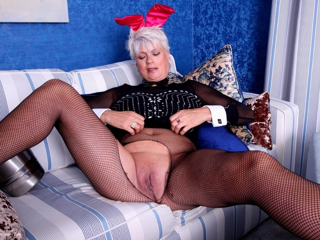 Dimonty - Bunny Girl Rips Her Tights