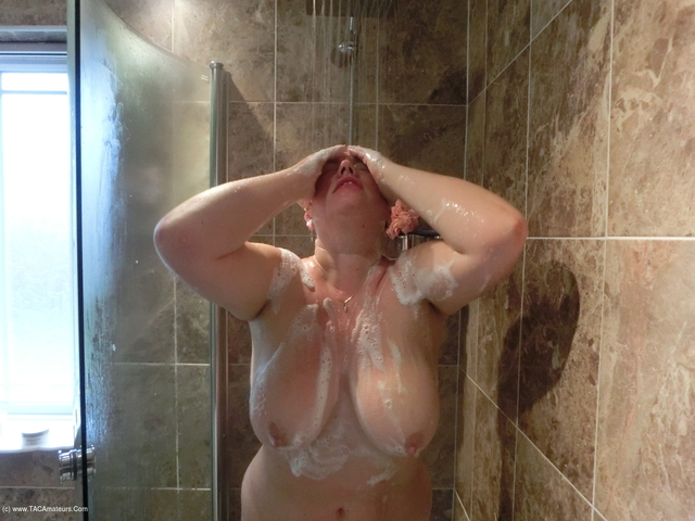 Barby - Soapy Shower