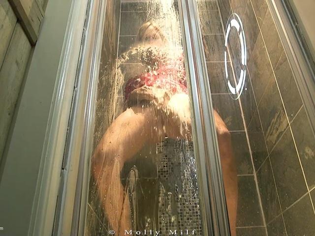 MollyMILF - Peeing Compilation