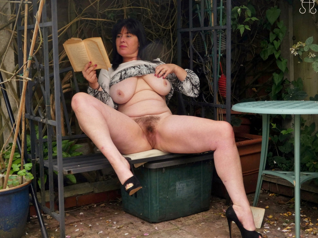 JuiceyJaney - My Lady Garden In The Garden Pt1