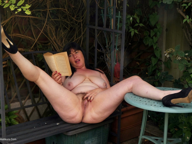 JuiceyJaney - My Lady Garden In The Garden Pt2