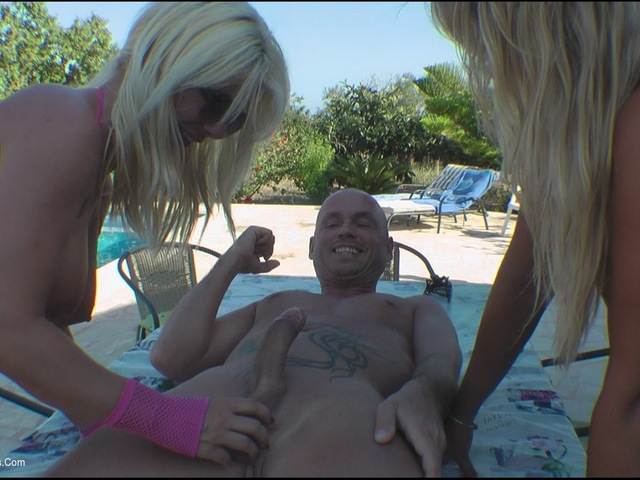 SweetSusi - Threesome At The Pool