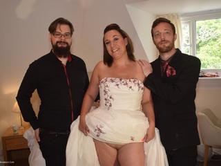 Sara Banks - Bride Sara Fucks The Bestman  Groom Picture Gallery
