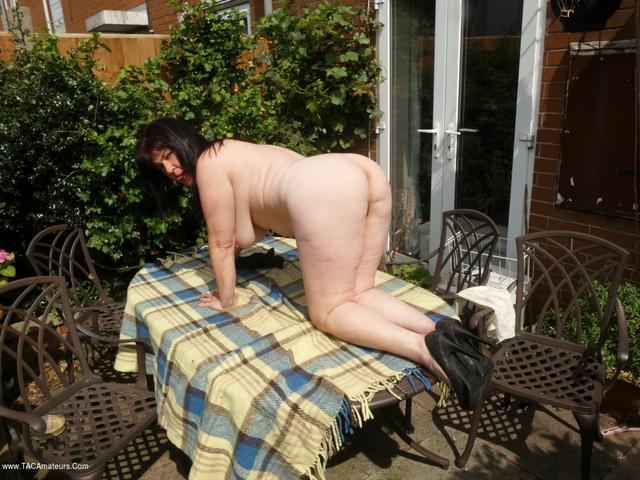 JuiceyJaney - My Lady Garden In The Garden Pt4