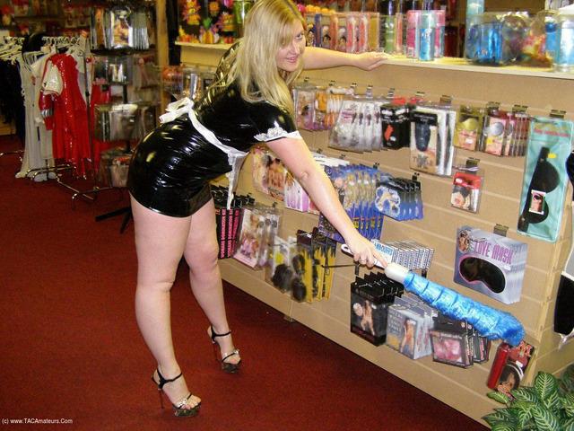 Samantha - Sex Shop Maid