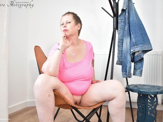 PoshSophia - Whore In Pink