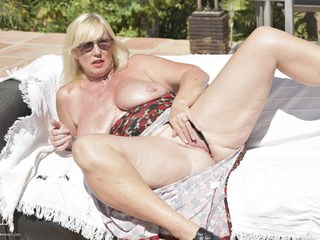 Melody - Sunny Side Up On The Sofa Pt2 Picture Gallery