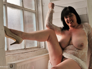 Juicey Janey - Virgin White Picture Gallery