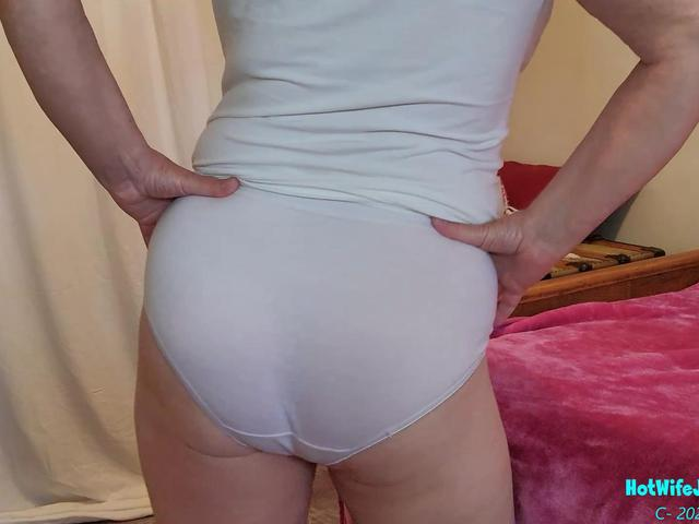 CougarBabeJolee - Tempting Tease Arse Worship Please
