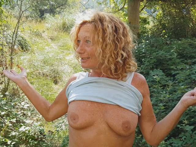 AnneSwinger - Anne Nude In The Forest
