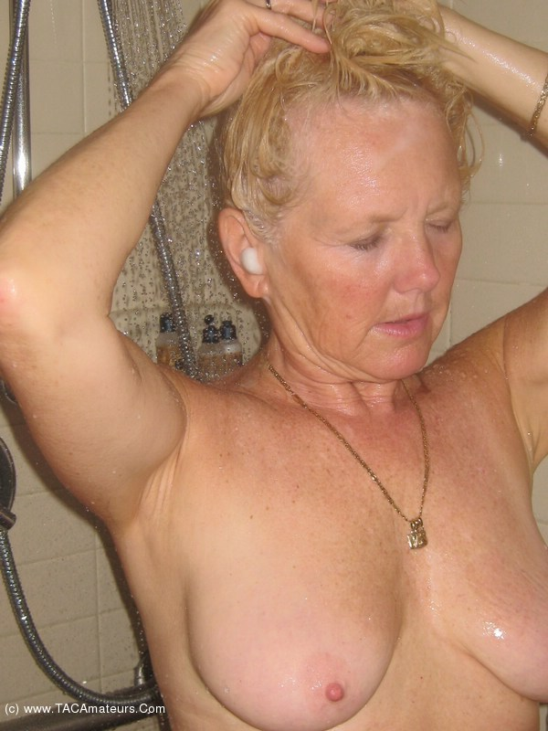 Shower & Blow Job