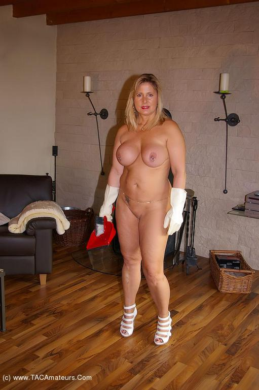 Women Doing House Work In The Nude