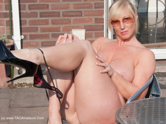 Brit milf angie george shares her juicy holes - 3 part 4