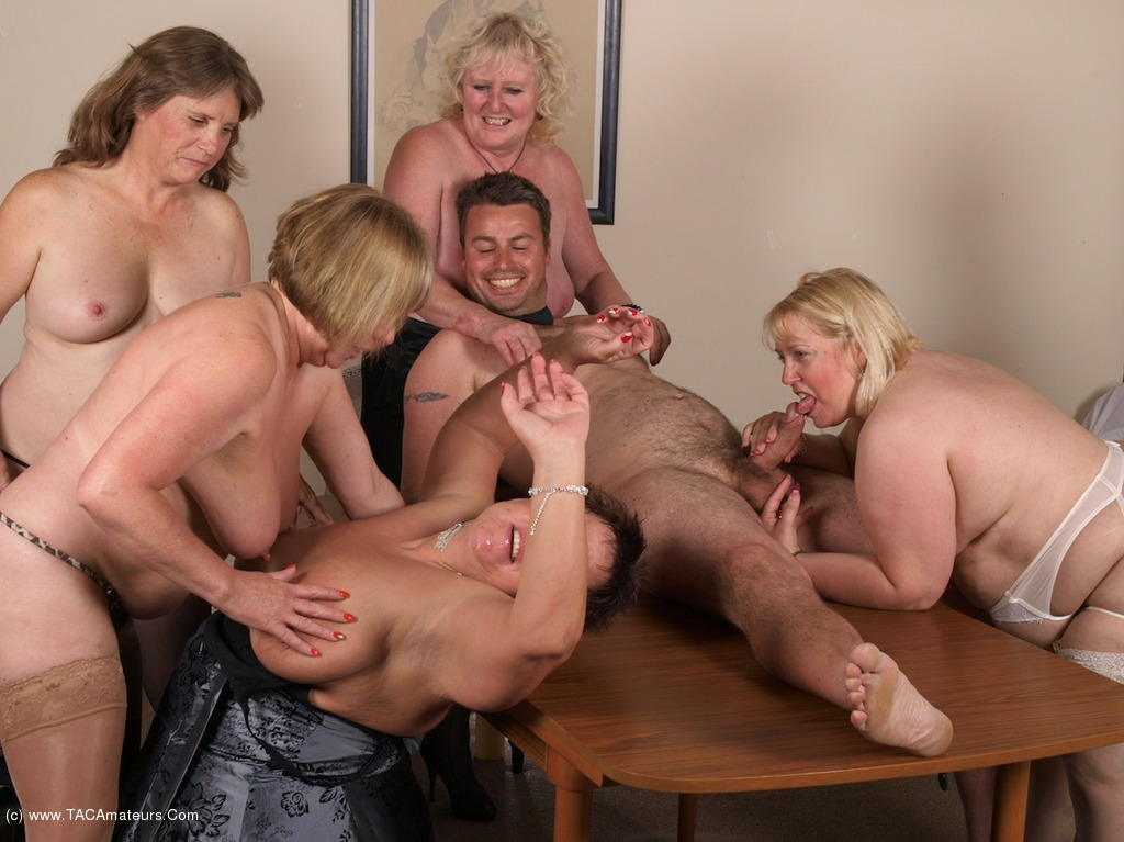 Vintage dinner party orgy 9